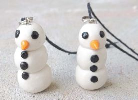Snowman Charms by Kat-Skittychu