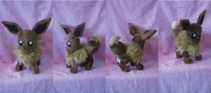 Eevee Plush by HottieHulio
