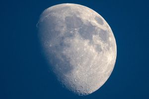 Moon in the day. - 16.12.2010 by KILLER289