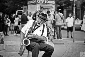 The Old saxophonist by O-Renzo