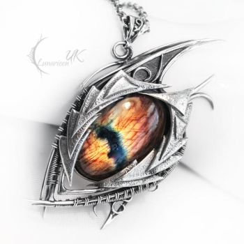 NAHZDUG MORH ( dragon's eye ) by LUNARIEEN