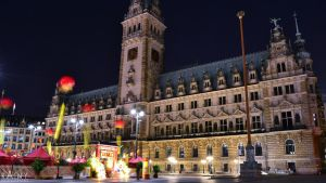 Hamburg - Rathaus 1 by Rainyphoto