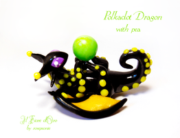 Polkadot dragon with pea by rosepeonie
