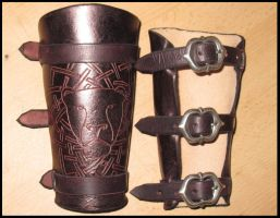 Lion bracer by akinra-workshop