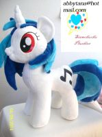 Vinyl Scratch Plush by SiamchuchusPlushies