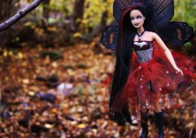 Fairy of the dark forest II by KaizokuHime