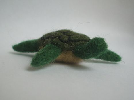 Needle-felted turtle by Scarygothgirl