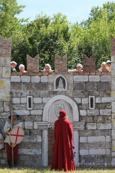 Negotiating the Entry to the Castle of Love by MedievalJunkie