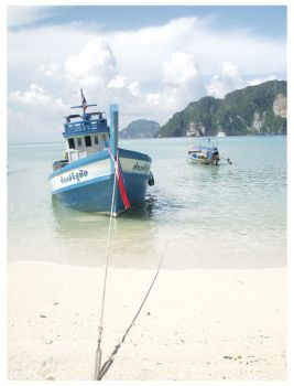 lightboat in thailand by eatbrian