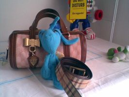 coso the ant in gucci-burberry by batuffolo