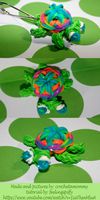 Loomed rubber band turtle keychain by crochetamommy