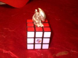 Squee on a Cube by HectorNY