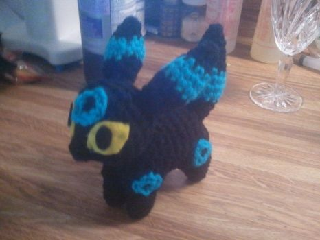 Crochet - Chibi Shiny Umbreon by heroes-of-thedas