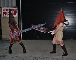 Pyramid Head VS Pyramid Head by UndercoverEnvy