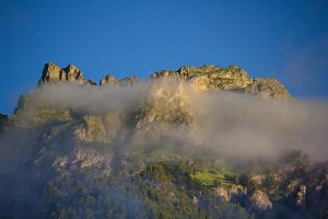Foggy Mountains by DeingeL