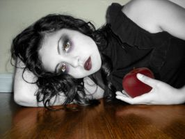 Snow White by 8thAndOliver