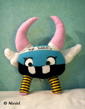 Plushie for Saro by hand-sewers-unite