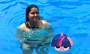 Twilight Sparkle: Fell in the pool by Paris7500