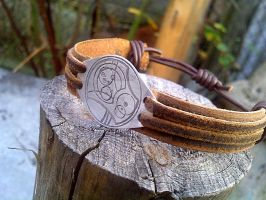 Gallifreyan! Doctor Who leather and metal bracelet by gumex