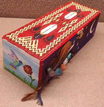 Beaded and painted keepsake box by CraftyRivers