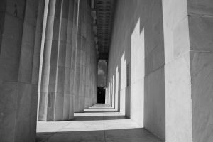Rear of Lincoln Memorial by lowjacker