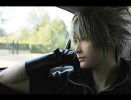 Noctis on Car by pinkyluxun