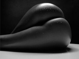Love Curves by yanez500