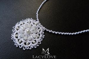Tatted pendant CARA by LacyLoveHandmade