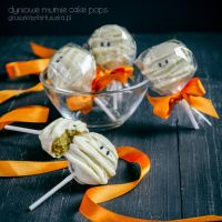 pumpkin spice halloween mummies cake pops by Pokakulka