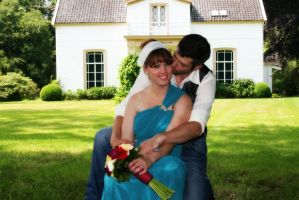 Beautifull Wedding Couple by VlinderButterfly