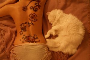 Lady Henna by Yogaeoga