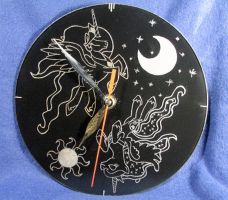 MLP - 'Day and Night' clock (ENGRAVE) by Cerebralis