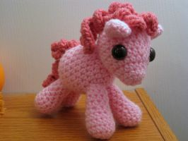 My Little Pony - Baby Pinkie Pie by kaerfel