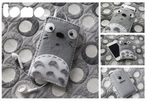 Totoro - iPhone iPod Case by TomodachiIsland