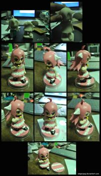 Clay Figure : Pillow Girl by emperpep