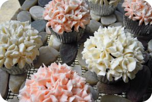 Hydrangea Cupcakes by cake4thought