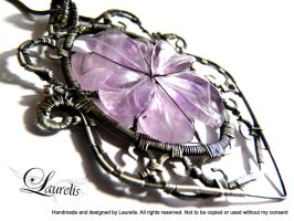 Dark flower pendant by Laurelis