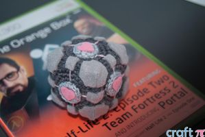 Companion cube by Gailtje