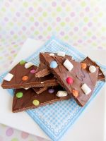 Chocolate Bark with Marshmallows and Smarties by dabbisch
