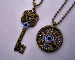 Key and Gear Set! Eye am pretty in purple! by LadyPirotessa