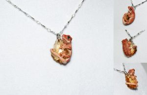 Another Crested Gecko Necklace by IllusionTree