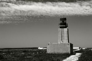 Lighthouse at Forteleza de Sagres by horai