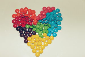 Mini MMs Rainbow Heart by apparate