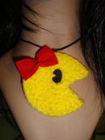 ms pacman crochet necklace pac by Irenescrochet