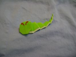 Origami Caterpie by FroggyDreams