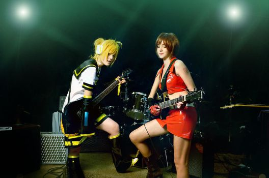 Len Kagamine and Meiko_Vocaloid by WanderingKai