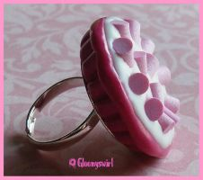 Marshmallow pie ring by Gloomyswirl