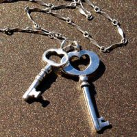 Double Skeleton Key Necklace by AelisLaurel