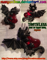 HTTYD Toothless red heart necklace by MangaX3me