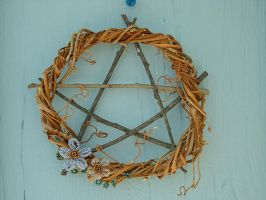 Pentagram Wreath by Yarrow7